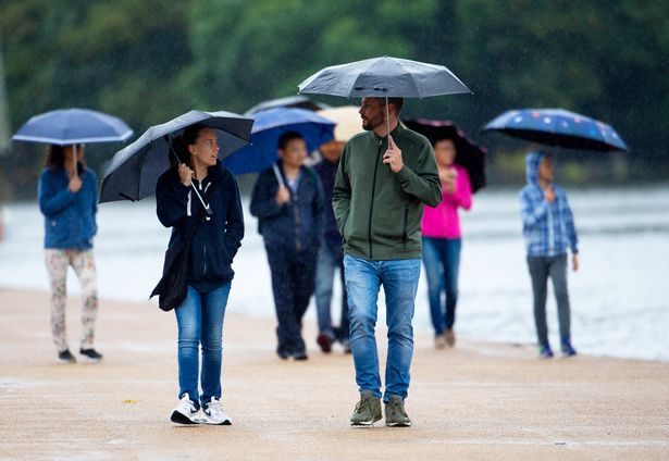 UK weather: Brits brace for a wet day with downpours set to batter country