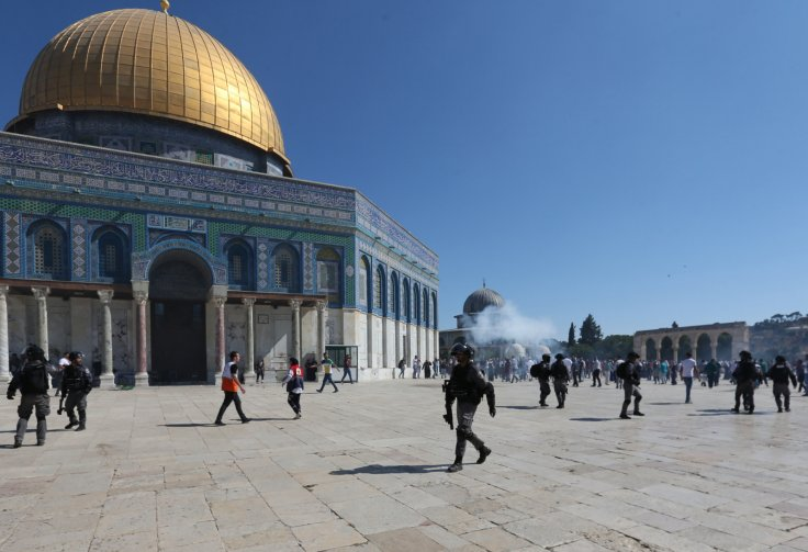 Israel Slammed For Deporting Worshipers From Al-Aqsa