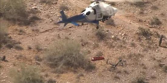 看着都晕!女子被直升机救援时担架在空中勐烈旋转175次