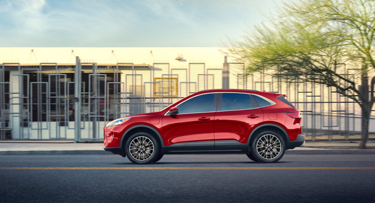 Ford's 2020 Escape plug-in hybrid takes aim at Toyota RAV4 Prime