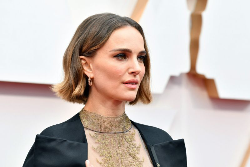 Natalie portman checks her white privilege in post calling to defund police