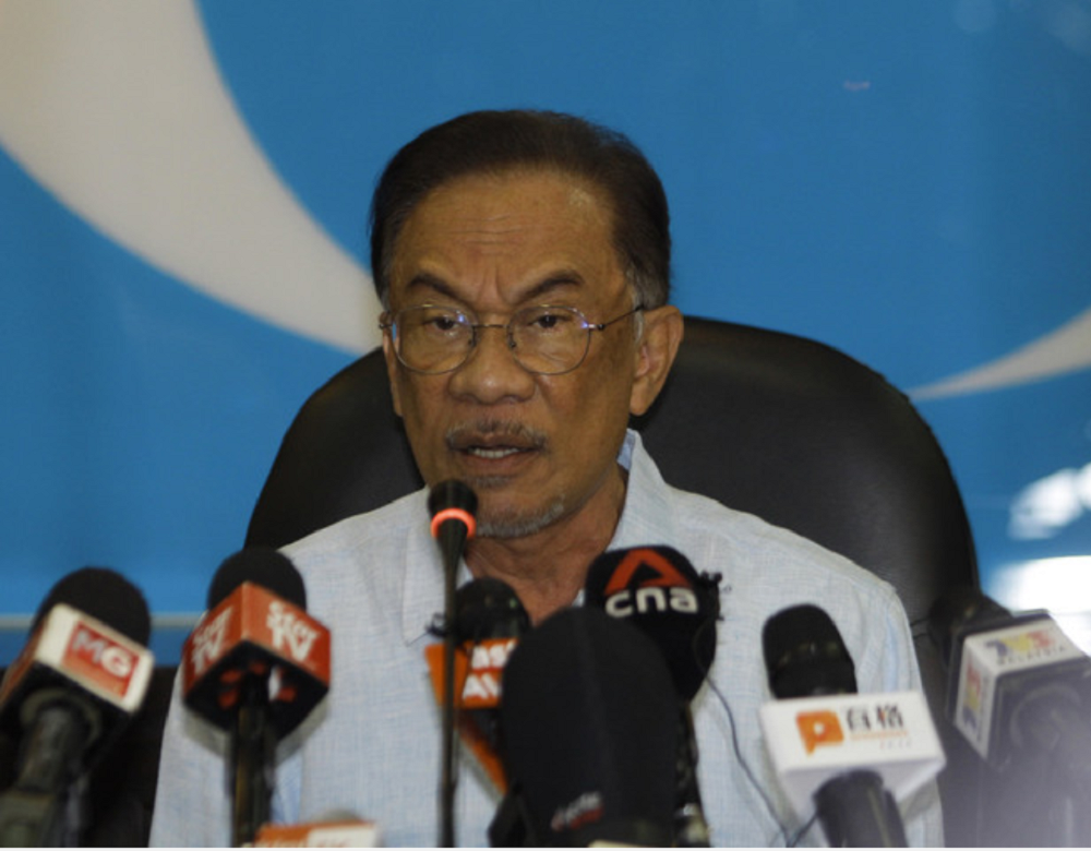 Anwar: Some MPs still voted for Budget 2021 after govt's false claims linking it to civil service's wage