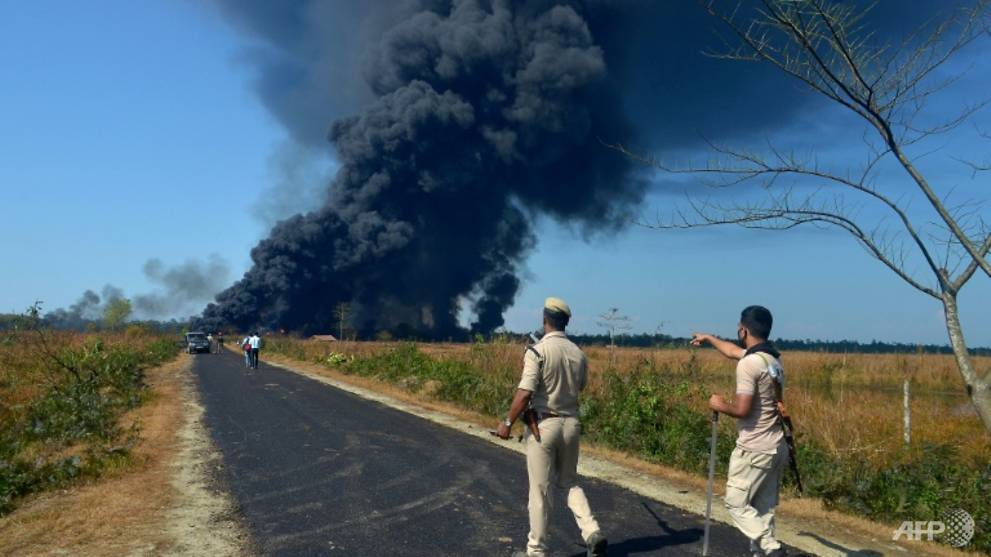 2 dead as fire rages after India gas well blowout