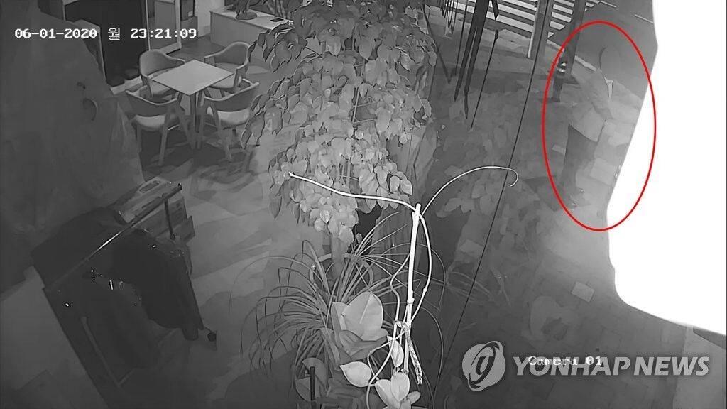 深夜猥亵女性被捕后,韩国检察官:喝醉了,记不清