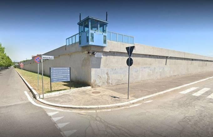 意大利2名囚犯逃狱保护孩子!留下纸条:15天之内回来!