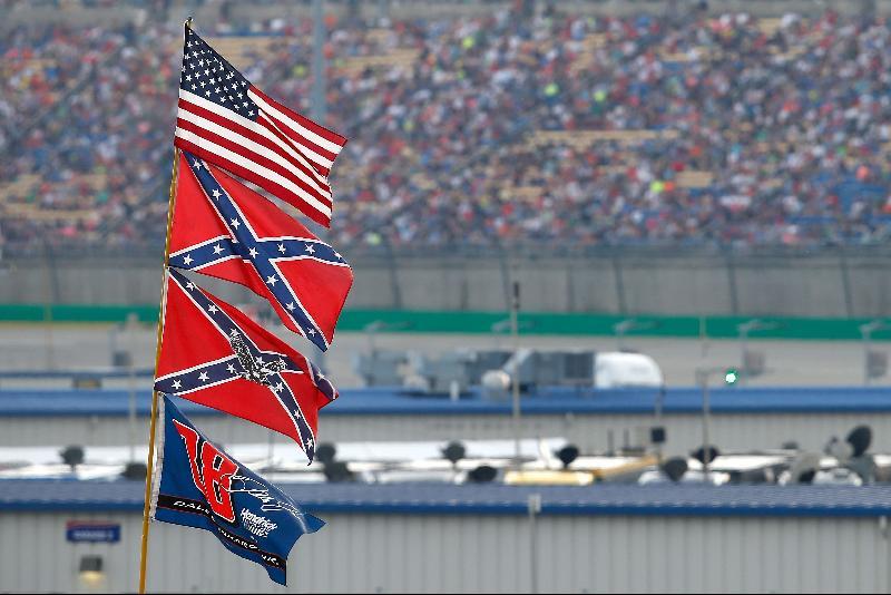 反种族主义抗议延烧‧纳斯卡赛车禁南方邦联旗帜