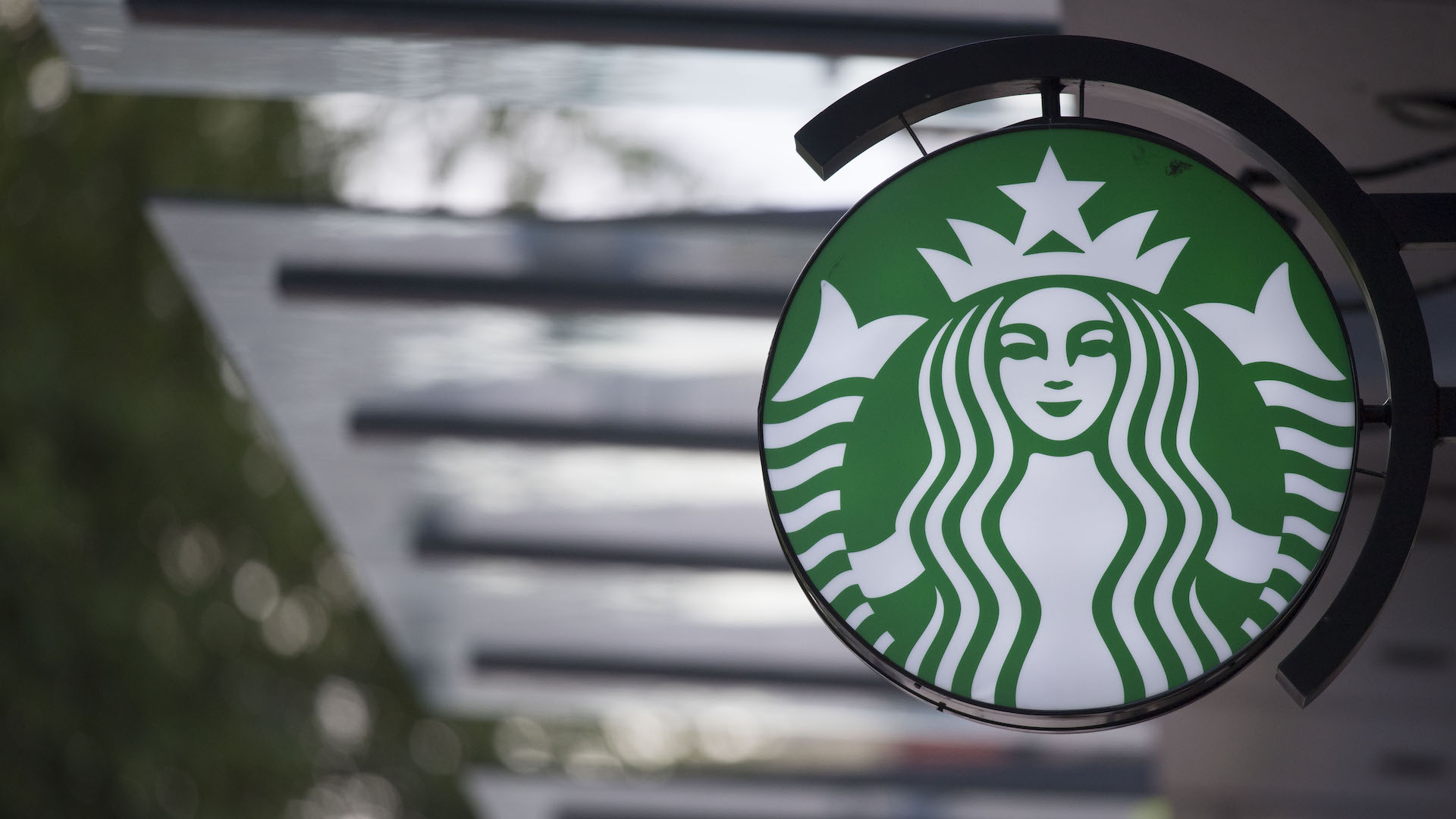 Starbucks Prohibiting Workers From Wearing Anything Endorsing Black Lives Matter