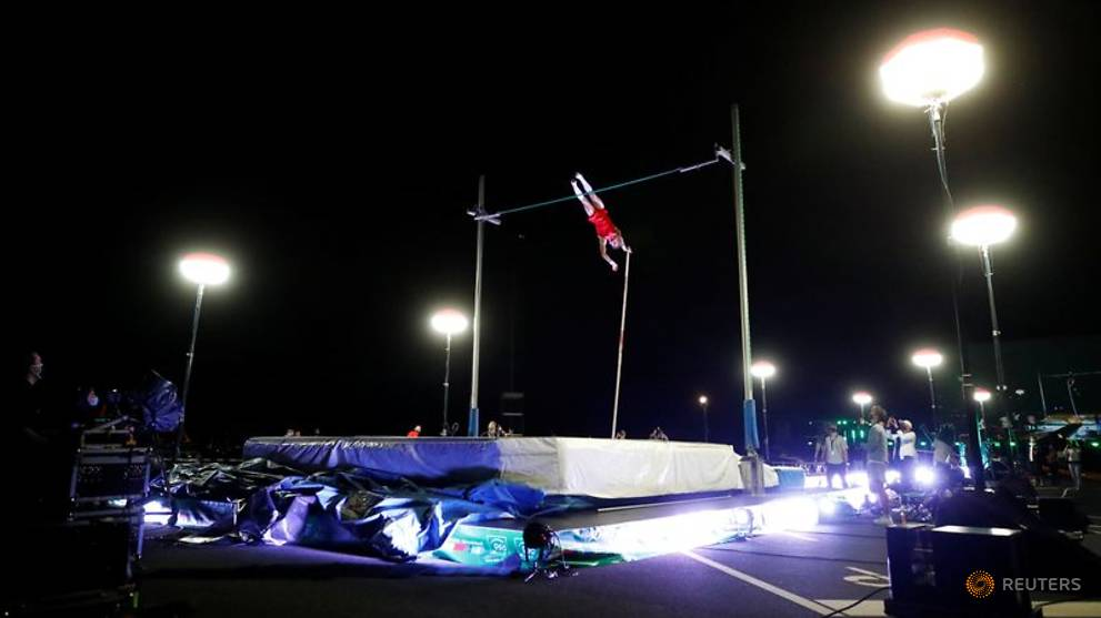 Blech stars in drive-in pole vaulting event