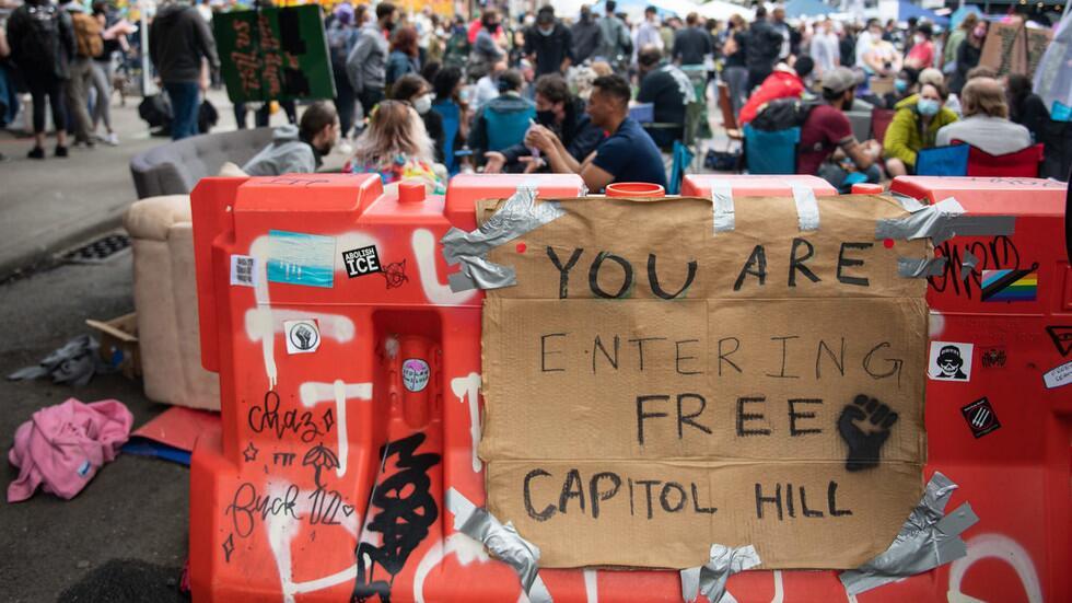 """这也能夸?特朗普:西雅图无政府主义者也先""""建墙"""",看,我走在时代前列!"""