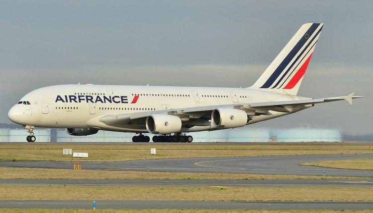 法国航空公司计划裁员近万人 占员工总数15%至20%