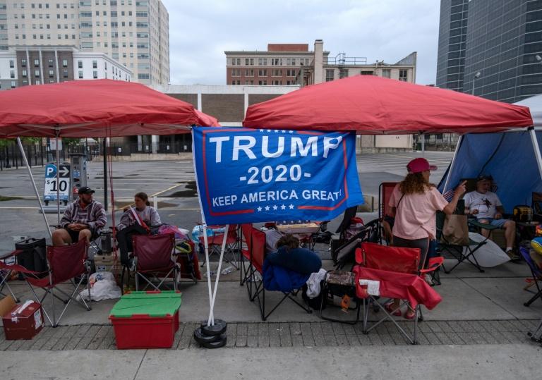 Trump's Tulsa rally defies virus risk