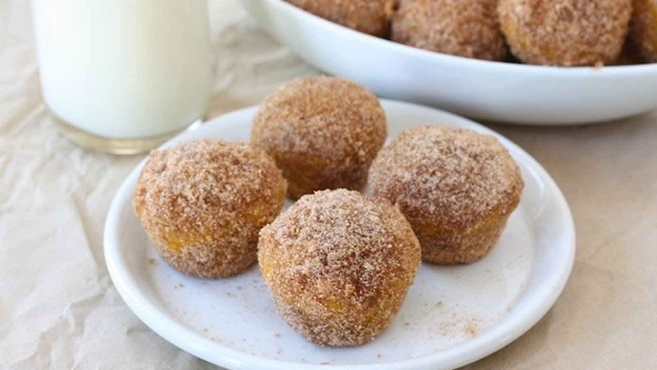 (S3E7) Baked Pumpkin Donut Holes