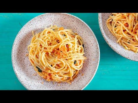 (S2E7) Sicilian-Style Spaghetti Alla Carrettiera (Fresh Tomato and Garlic Sauce)