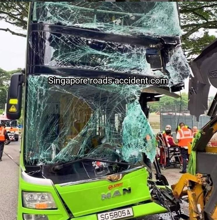 SMRT bus-169 collided with garbage truck, 5 people taken to hospital
