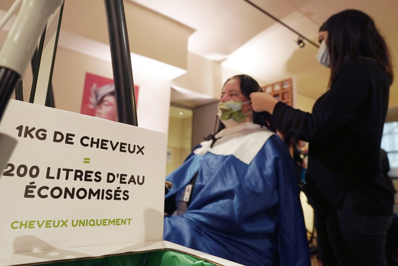 Versailles palace staff get free haircuts to help planet