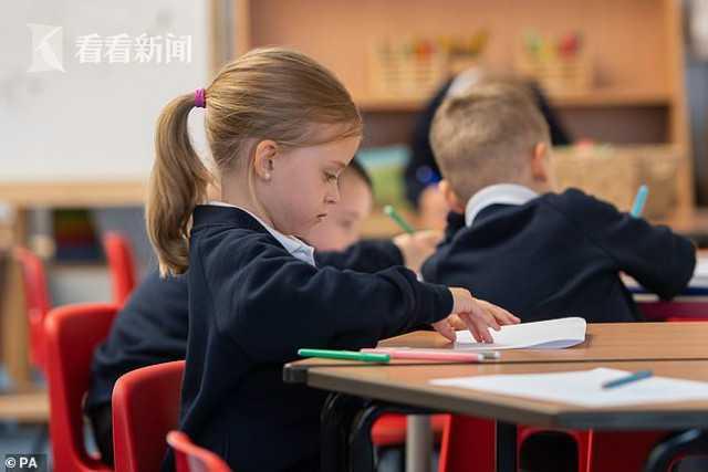英国学校不许唱生日歌吃蛋糕 怕传播新冠病毒
