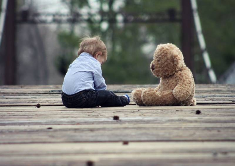 How to help little ones cope with the loss of a loved one