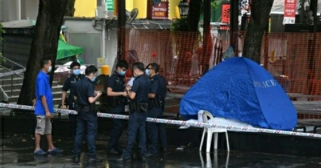 Blue police tent spotted at Chinatown! 72-year-old homeless man found to have died suddenly!