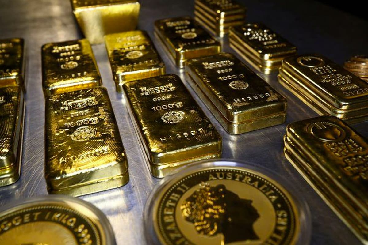 Gold futures expected to trade lower next week