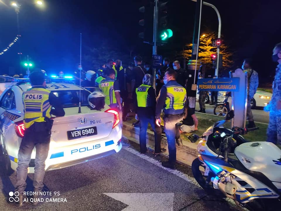 Hijacked PDRM Patrol Car: Woman Caught With The Suspect Has Been Cleared Of Involvement