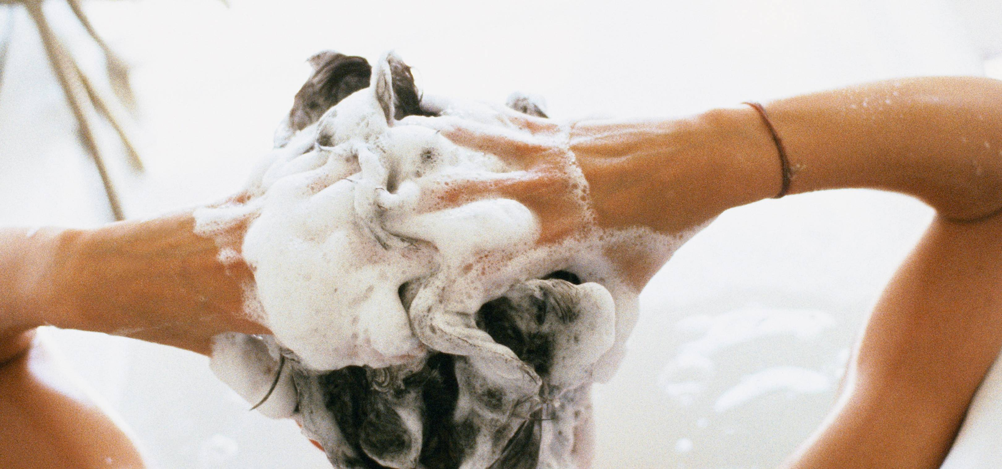 So, it turns out there's an optimal way to wash your hair at home for salon-worthy bounce