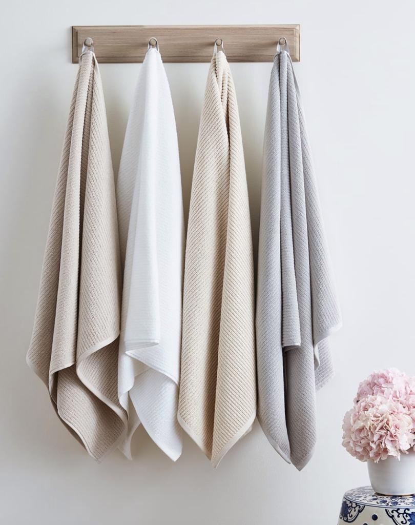 The Coziest Towel Sets & Warmers to Make Your Bathroom Feel Like aSpa