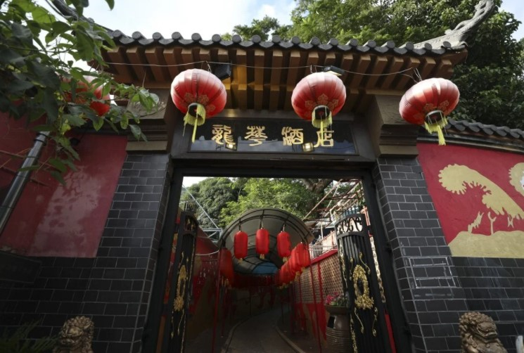 Where Bruce Lee ate the best roast pigeon in Hong Kong