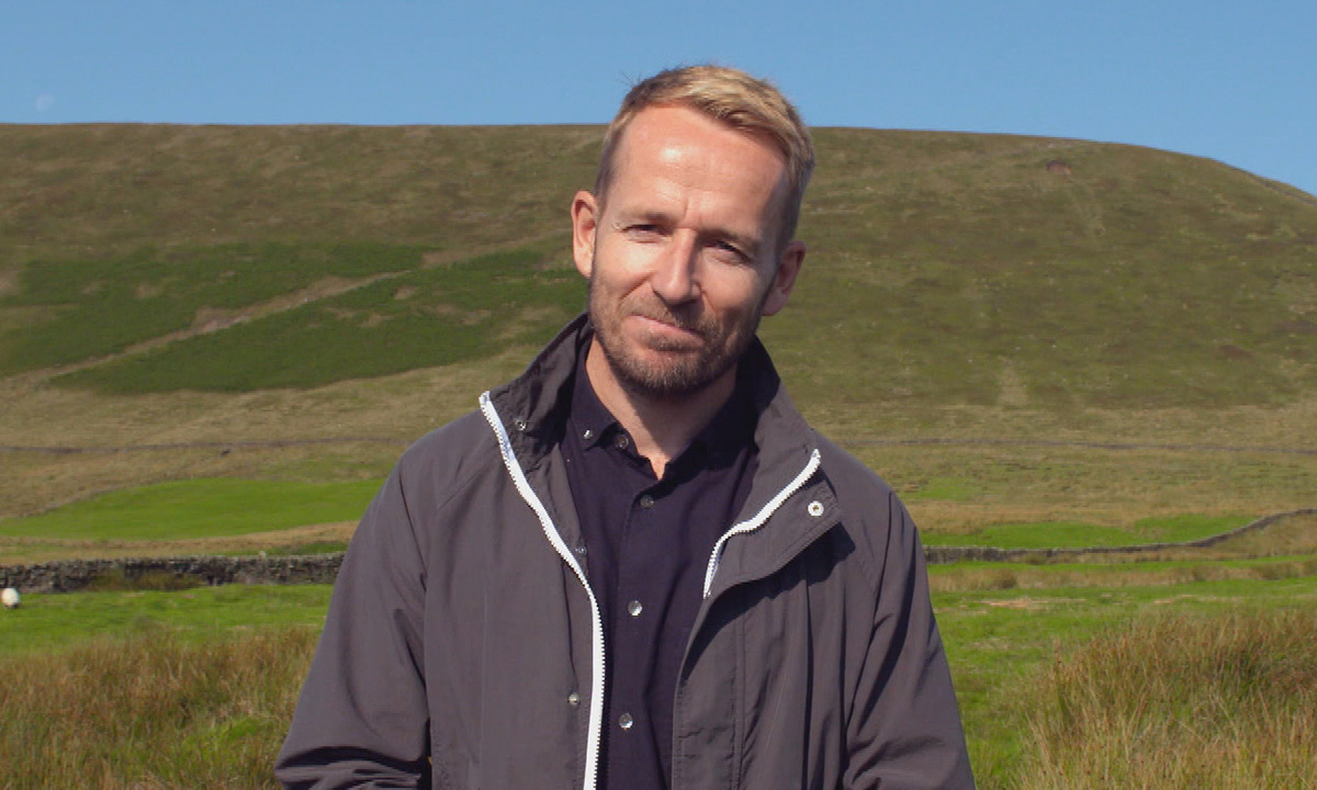 Escape to the Country's Jonnie Irwin opens up about 'guilt' of working away from family