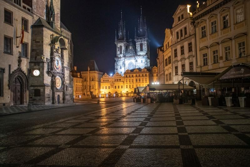 捷克延长紧急状态至11月20日