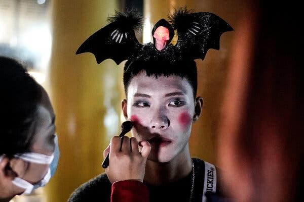 Halloween Makeup Ideas, From 'Euphoria' to 'Twilight'