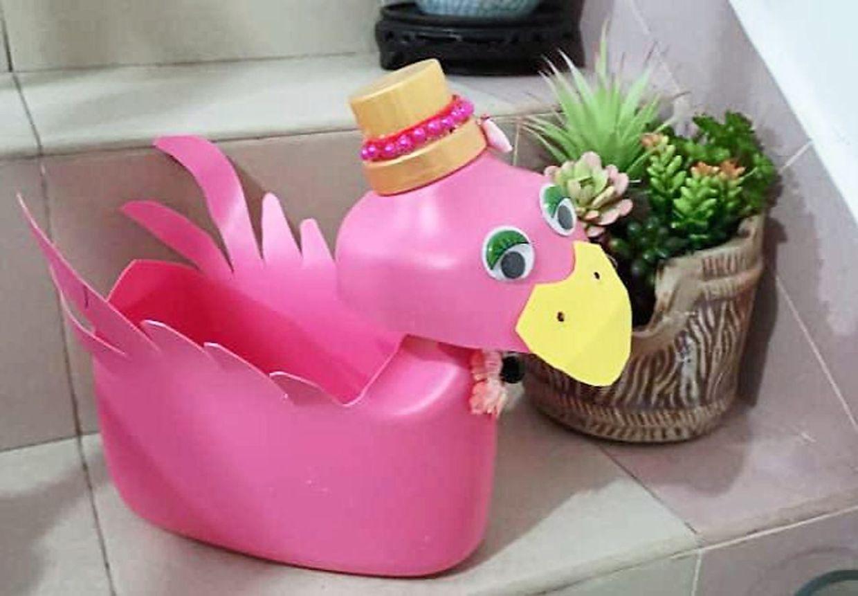 Women turn plastic waste into creative items