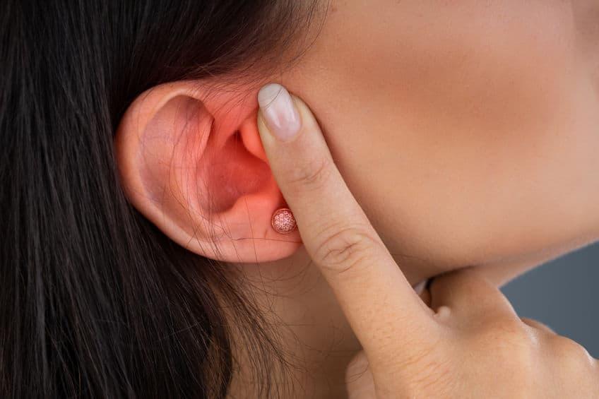 【中耳炎】急性及慢性中耳炎成因各不同 手术处理积水、修补耳膜助復原 避免永久损听觉