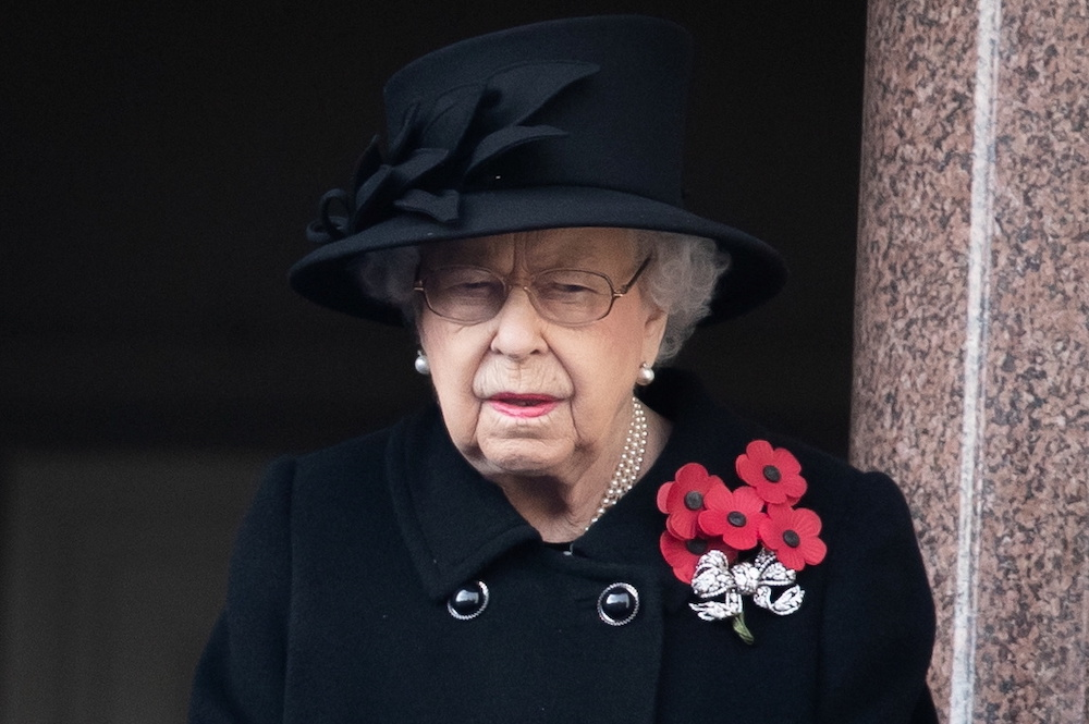 At scaled-back service, Queen Elizabeth leads Remembrance Sunday