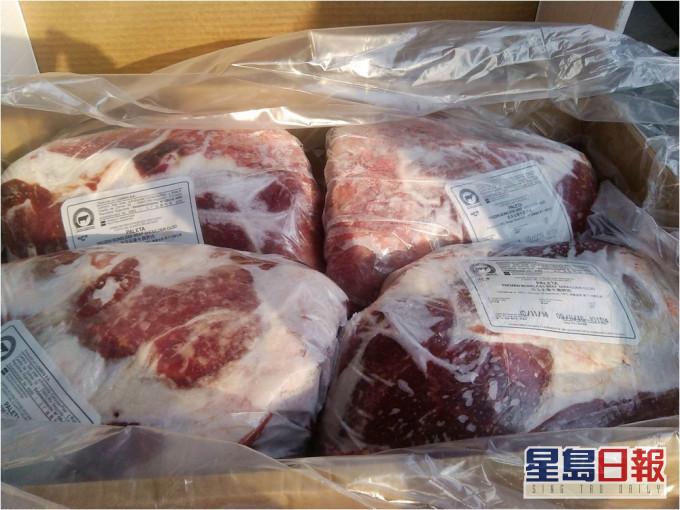 再有冻肉中招 山东「进口冷冻牛肉」包装对新冠呈阳性