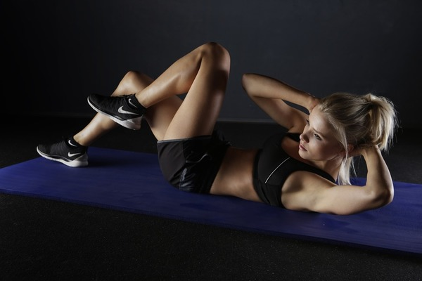只做腹肌运动减不到肚腩! 细数3个减肚腩失败原因/解决方法