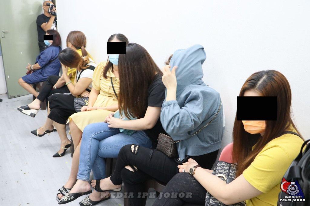 警突击2间非法小型赌场 逮捕57男女