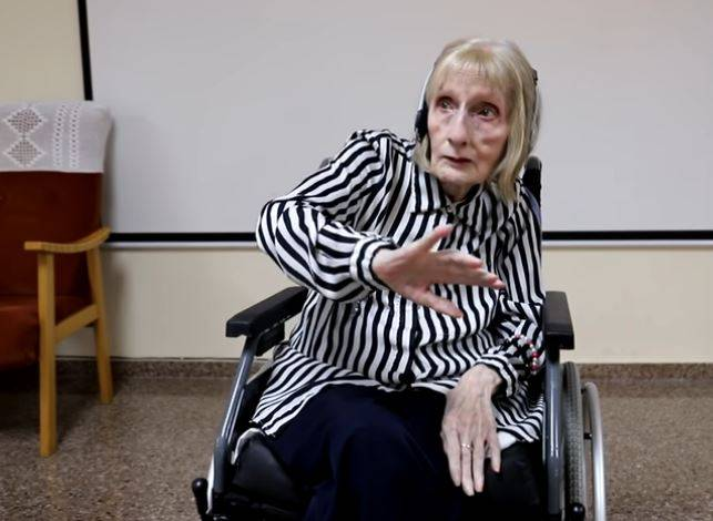Former Ballerina With Alzheimer's Listens To Swan Lake And Remembers Choreography