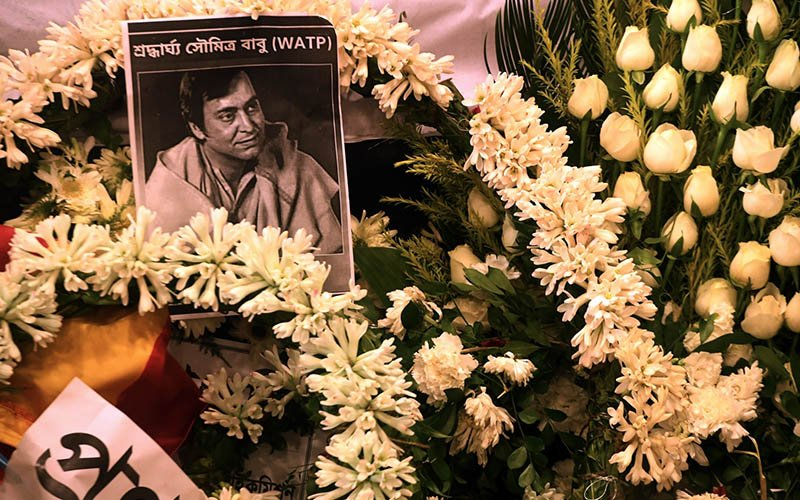 Fans mourn India acting legend Soumitra Chatterjee