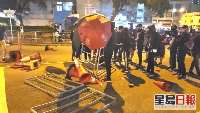警方拘控「踢保」4人包括食肆东主 涉去年屯门大兴集结