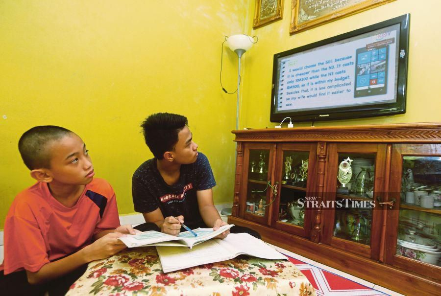 New TV programme for students, besides online learning