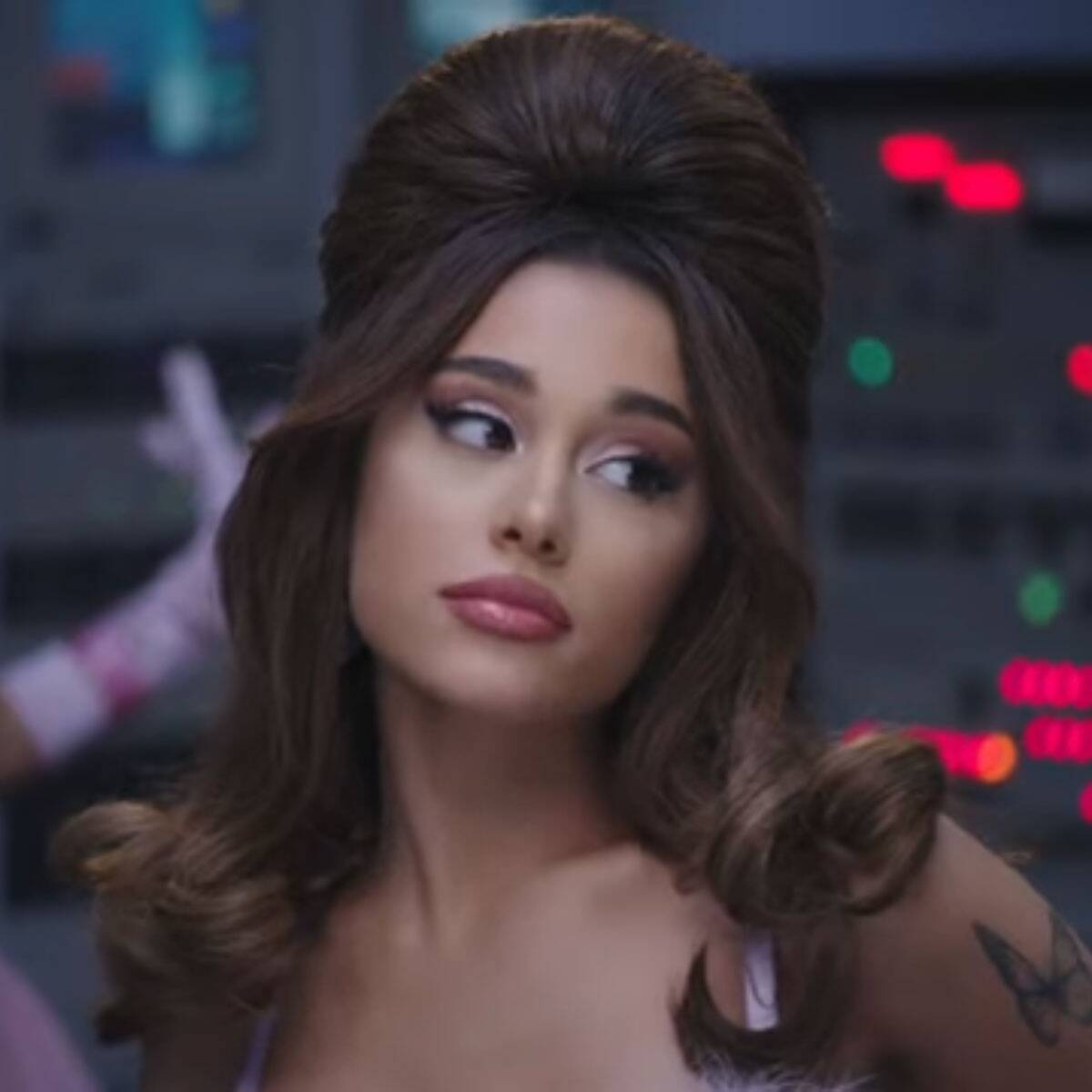 """Ariana Grande Drops Into a Split and Twerks for Sexy """"34+35"""" Music Video: Watch"""