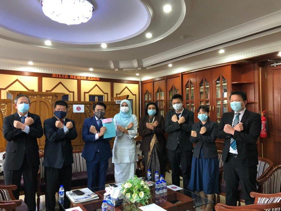 彭反对党抨官委议员法案违民主精神