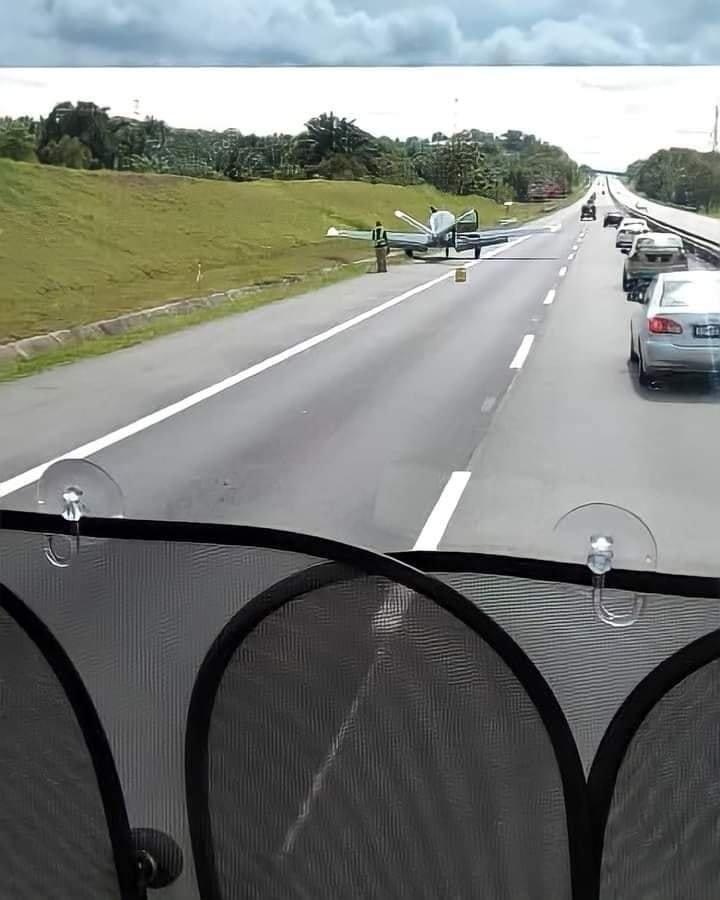 S'pore aircraft makes emergency landing at johor highway on 22 Nov due to technical issues