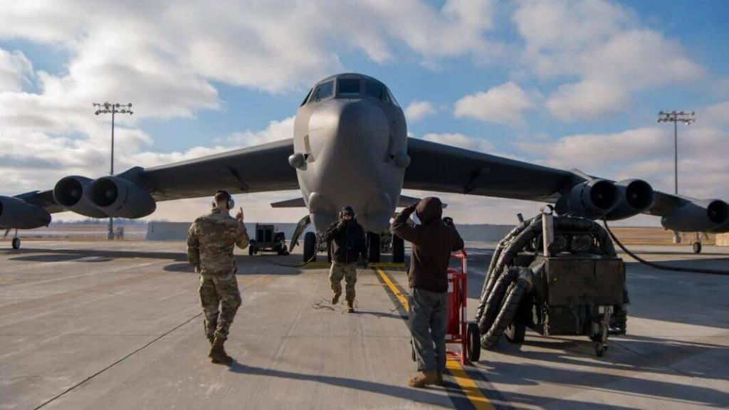 美军向中东部署4架B-52H 系今年第二次