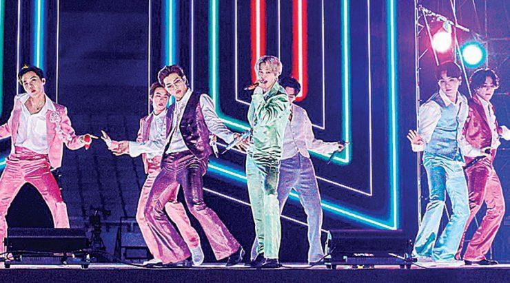 """全美音乐奖""""台下有观众"""" BTS擒2奖"""