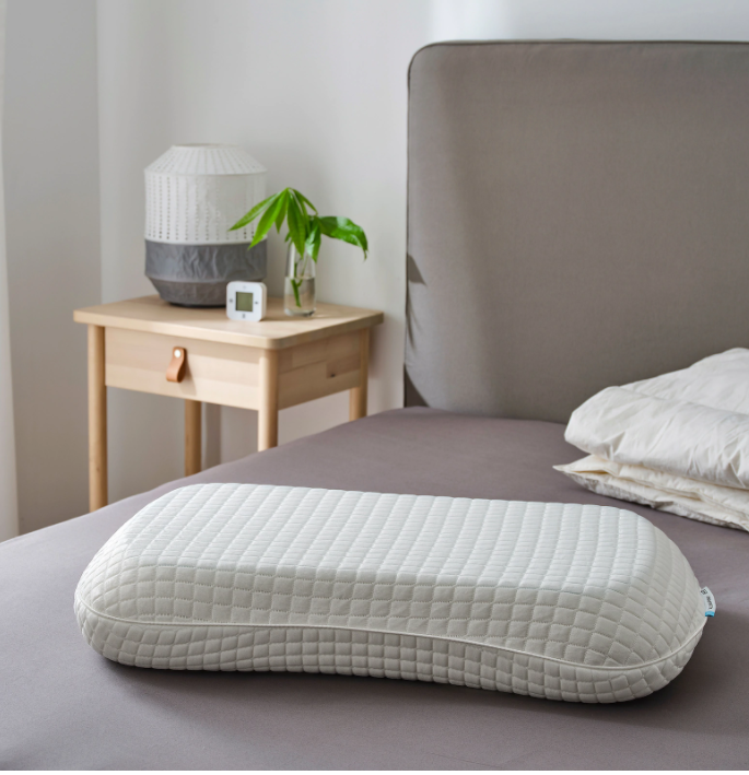 8 Best Pillows In Singapore For Good Sleep, With Organic, Memory Foam & Cooling Options