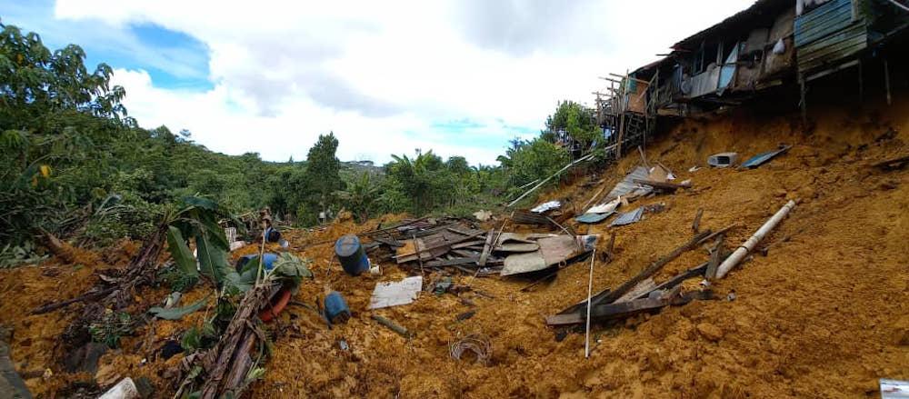 Fire Dept: Landslide hits back portion of Rh Jarau longhouse in Bintulu