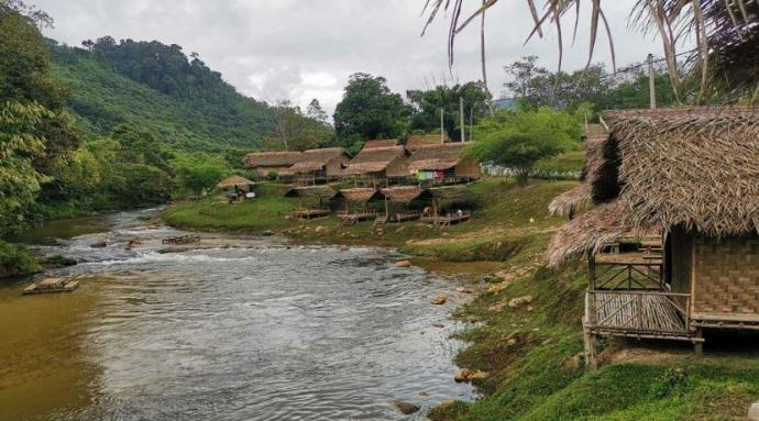 甘榜巴西林宜原住民 建棚屋充救灾中心