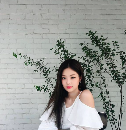 BLACKPINK Jennie's personal Instagram account hacked for two months