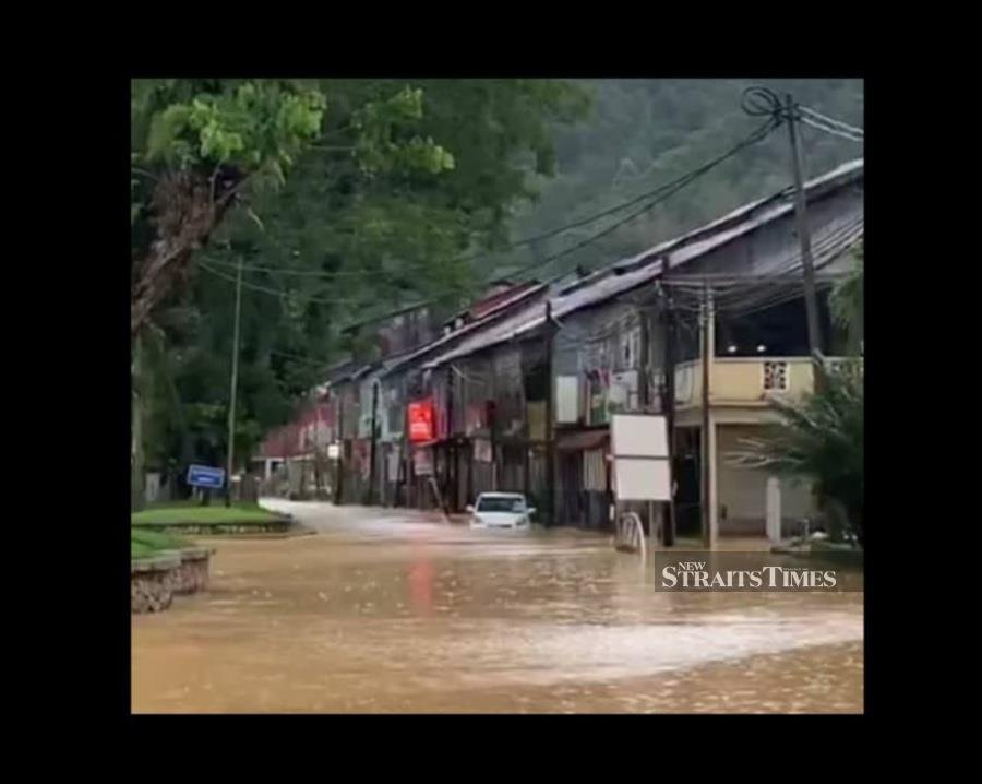 Parts of Sungai Lembing town hit by flash floods